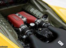 Двигатель Ferrari 458 фото
