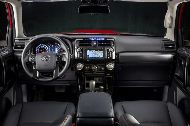 Фото салона Toyota 4Runner 2013