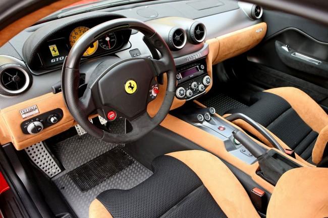 Фото салона Феррари 599 GTO