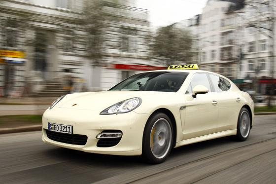 В Германии появились такси на базе Porsche Panamera Turbo