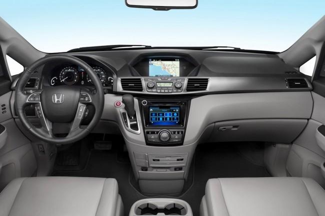 Фото салона Honda Odyssey Touring Elite