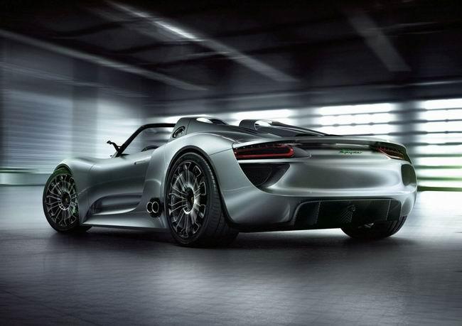Гибридный суперкар Porsche 918 Spyder пойдет в производство