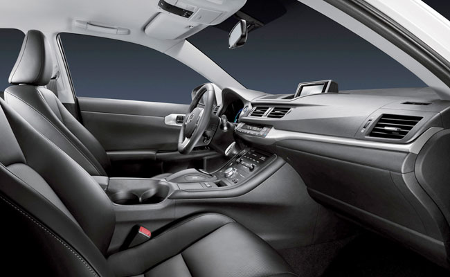 Иделальная спортивная посадка в Lexus CT 200h