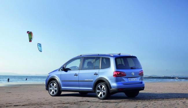 Фото Volkswagen CrossTouran