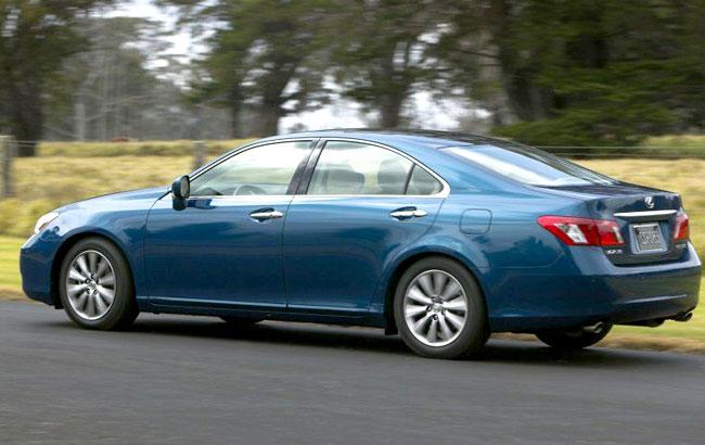 Фото нового Lexus ES 350