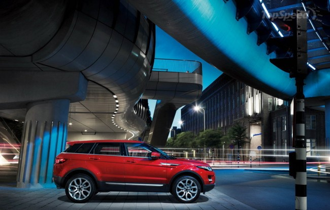Пятидверный кроссовер Range Rover Evoque - фото