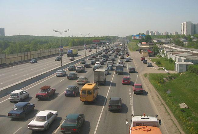 Базовые ставки транспортного налога снижают вдвое