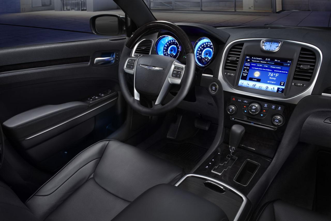 Фото салона Chrysler 300C II