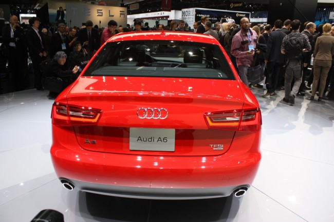 Новая Audi A6 2011 на автосалоне в Детройте