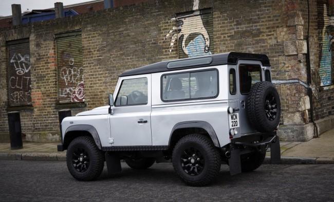 В Брюсселе представили Land Rover Defender X-Tech