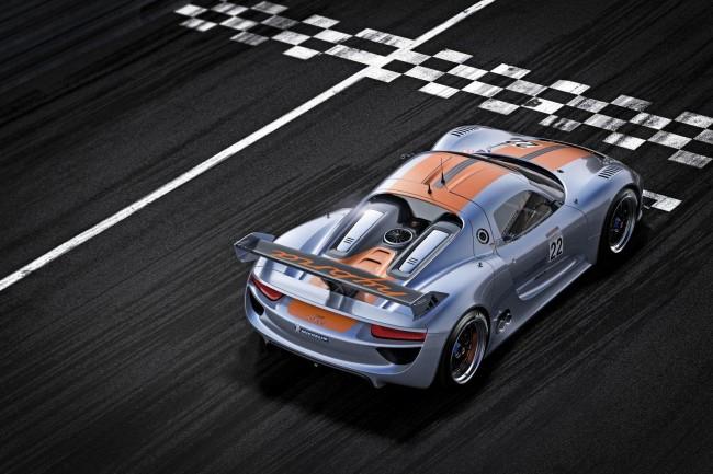 В Детройте Porsche представила гоночный 918 RSR Coupe