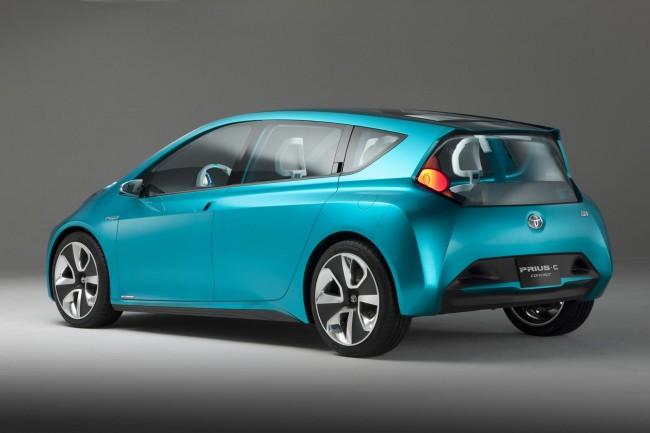 В Детройте показали маленький Prius C Concept