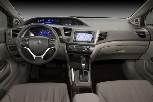 Салон новой Honda Civic 2012