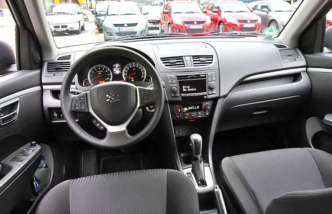 Фото салона новой Suzuki Swift 2011