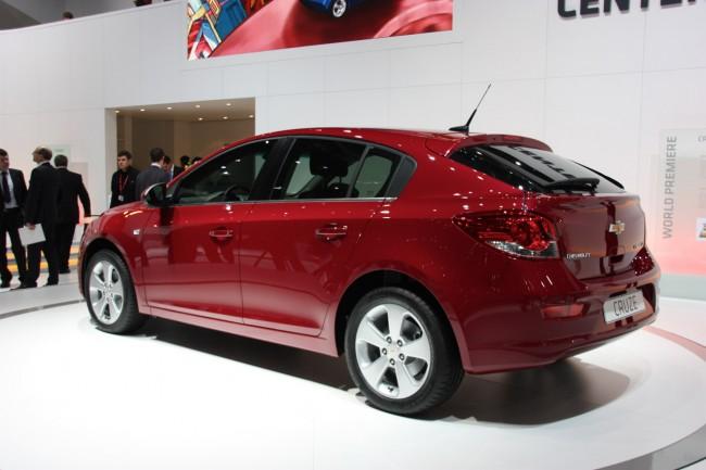 В Женеве Chevrolet официально представил Cruze хэтчбек