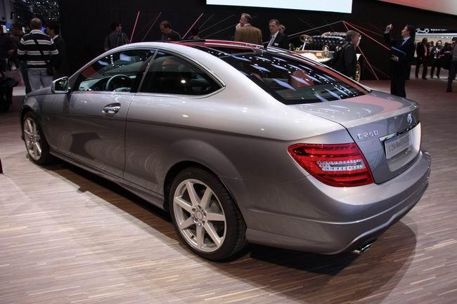 Mercedes C-class Coupe на Женевском автосалоне 2011