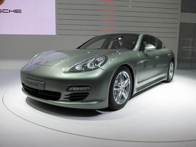 Porsche Panamera S Hybrid на Женевском автосалоне 2011