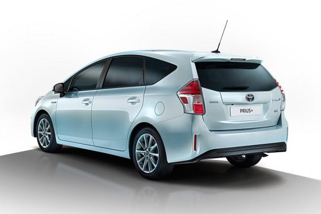 Компактвен Toyota Prius+