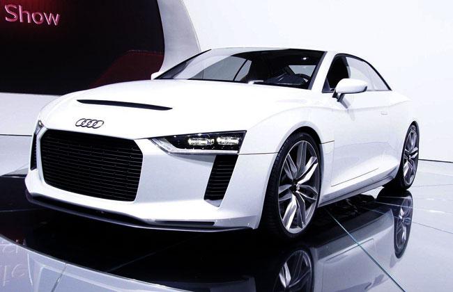 Audi Quattro concept на автосалоне в Париже 2010