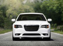 Chrysler 300C SRT8 2013 фото