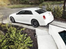 Фото нового Chrysler 300 SRT8