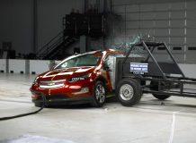 Боковой краш-тест Chevrolet Volt