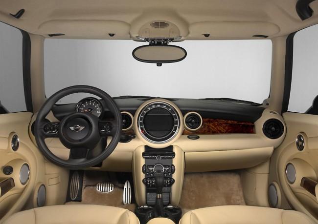 Отделку салона MINI Goodwood выполнили в Rolls-Royce