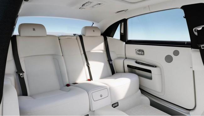 Фото салона удлиненного Rolls-Royce Ghost Long