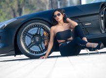 Девушка и суперкар SLS 63 Supersport GT