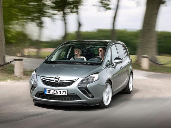 Opel Zafira Tourer фото