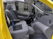 Салон Nissan EV200 такси