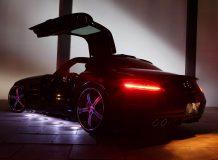 Пороги с подсветкой на Mercedes SLS