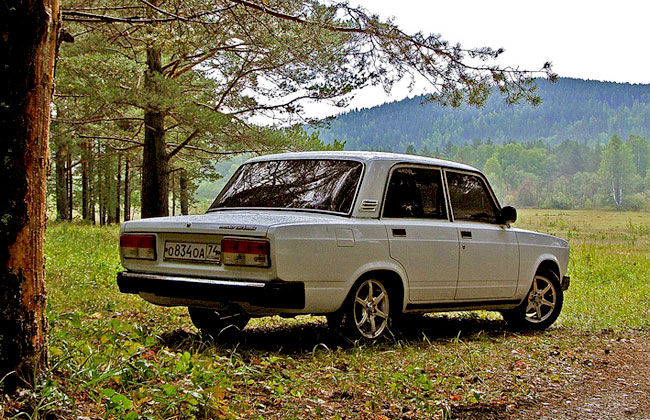 АвтоВАЗ продолжит выпускать ВАЗ 2107 до августа