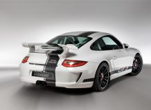 Фото тюнинг Porsche 911 GT3 от Magnat