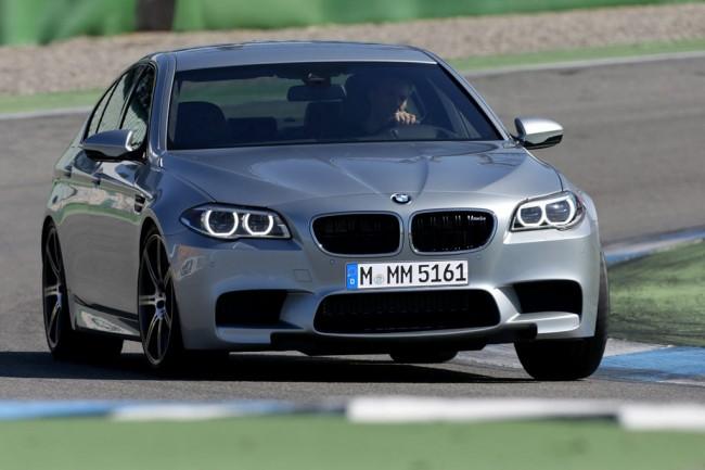 Рестайлинговый седан BMW M5 2016