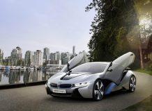 Фото гибридного купе BMW i8