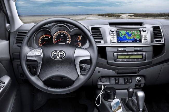 Салон Toyota Hulix VII