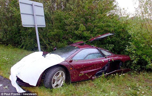 Мистер Бин разбил свой любимый McLaren F1