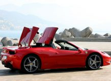 Фото нового Ferrari 458 Spider