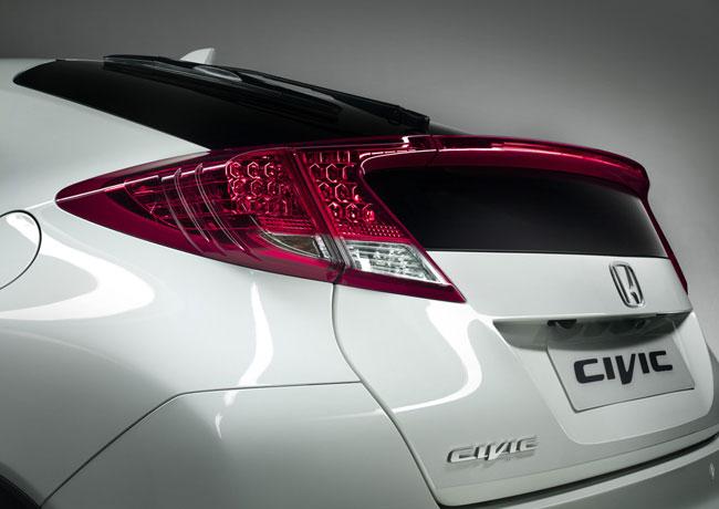 Honda показала тизер хэтчбека Civic 2012