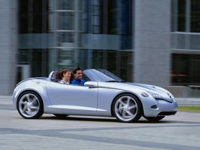 Компактный родстер Mercedes SLA появится в 2013 году