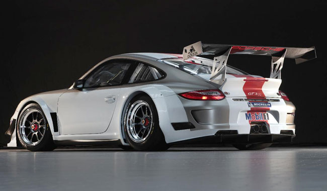 Фото 2012 Porsche 911 GT3 R