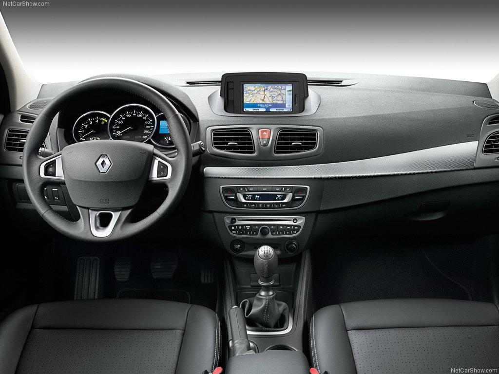 Фото салона Renault Fluence