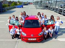 В Volkswagen Up поместились 16 человек