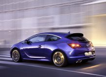 Opel Astra J OPC фото