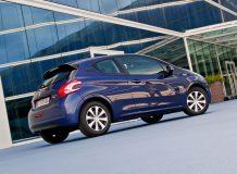 Фото нового Peugeot 208 2015