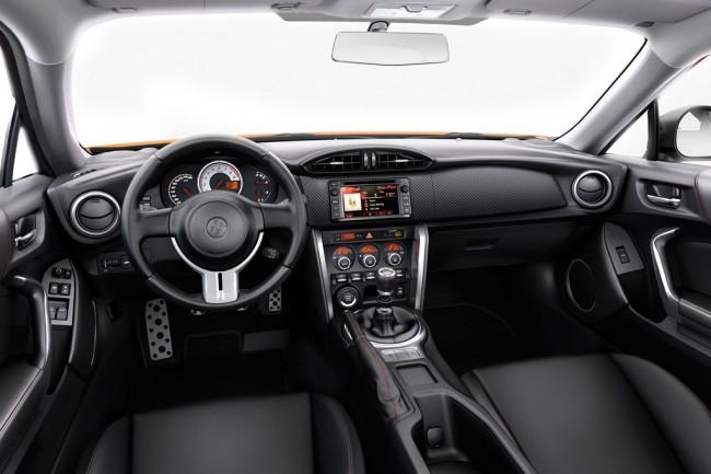 Салон Тойота GT86