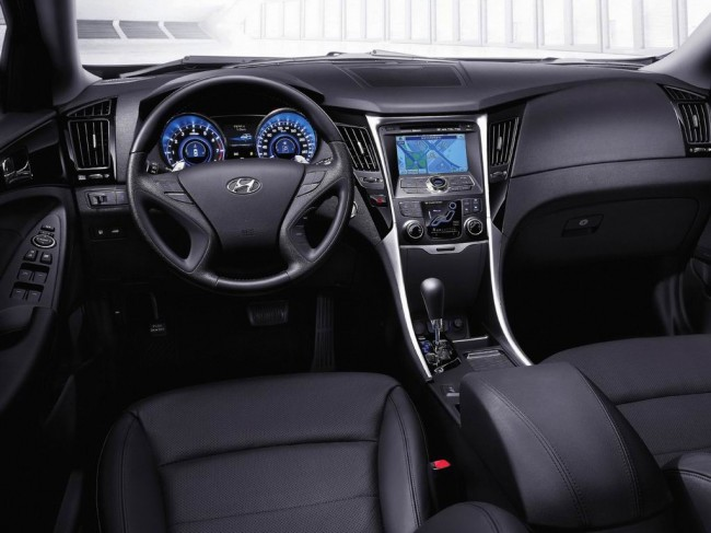 Салон Hyundai Sonata 6