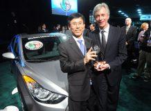 Автомобилем 2012 года в США стала новая Элатнта