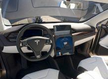 Фото салона Tesla Model X